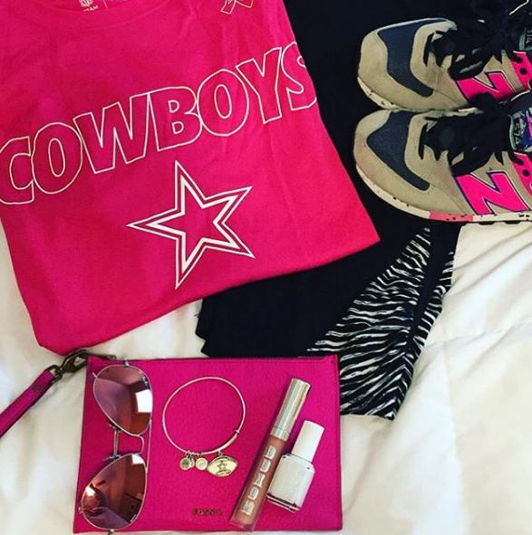 gameday outfit, gameday, football, cowboys, dallas cowboys, birkenstocksAM