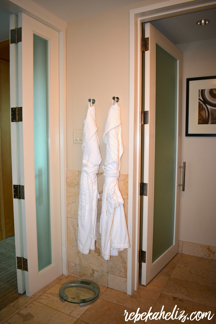 four seasons, st louis, four seasons st louis, hotel, luxury hotel, robe